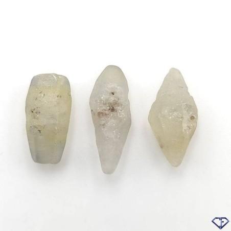 Lot de 3 Saphirs bruts naturels. Pierres de collection en provenance du Sri Lanka.