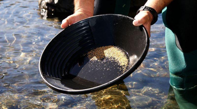Orpaillage : recherche d'Or en rivière